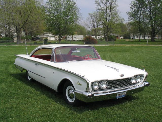 1960 ford galaxie starliner 2 door fastback white with. Black Bedroom Furniture Sets. Home Design Ideas