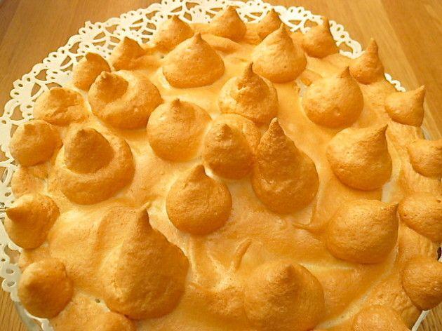 Zitronentarte mit Baiserhaube                 Sandteig  140 Gramm Butter 2 Gramm Salz 75 Gramm Puderzucker Mark einer halben Vanillesch...