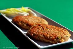 Las hamburguesas vegetales de avena son una alternativa sana y original en cualquier dieta. Son fáciles de preparar y gustan a niños y adultos.