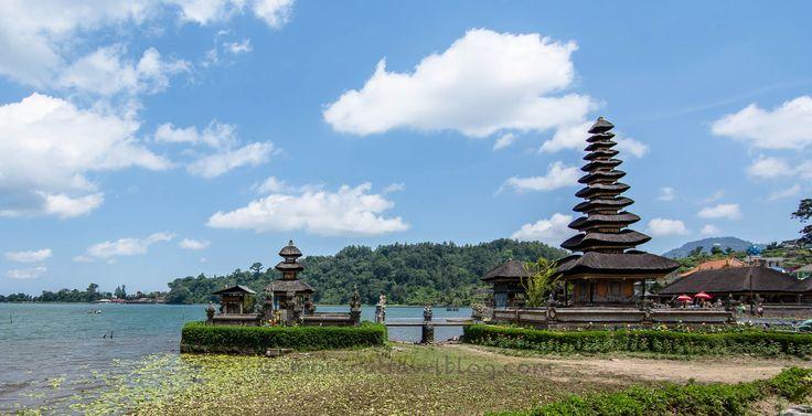 Tempio sul Lago del vulcano Gunung Batur