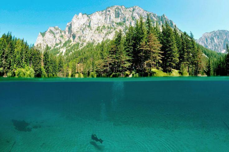 A Zöld-tavat méltán választották meg Ausztria legszebb helyének, amely nevét a kristálytiszta, smaragdzöld színéről kapta.     A Grüner See-t a búvárok és természet kedvelők régóta ismerik, hírnevet mégis csak tavaly szerzett.     2014 szeptemberében Marc Henauer természetfotós a tónál készített képeivel harmadik...