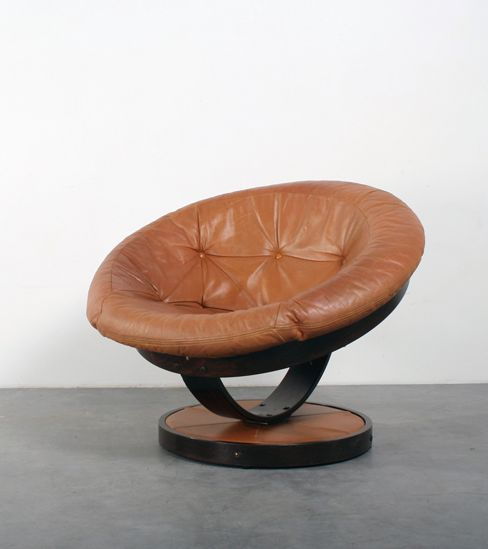 Anonymous; Leather and Plywood Lounge Chair, 1970s. (Strikingly similar to the work of Oddmund Vad for VAD Trevarefabrikk A.S.)