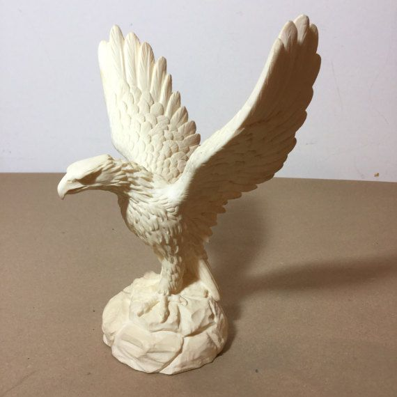 Italian sculpture of Eagle by A Giannelli from 1976 in