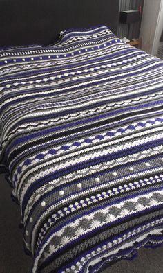 CAL 2014: Dutch Crochet, a granny a day 2013. Deken 2, paars/wit/grijs/zwart
