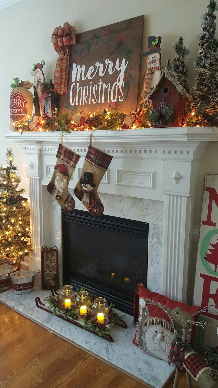 Christmas mantel decorations under tv - Farmhouse Christmas Mantel