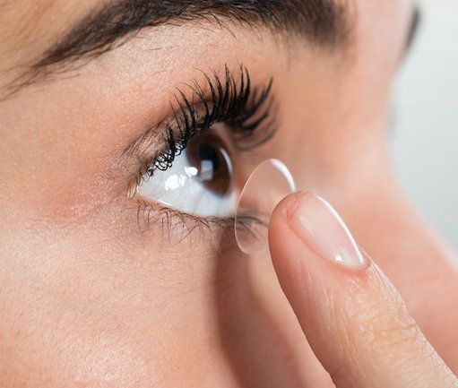 The dangers of contact lenses …and how to use them correctly