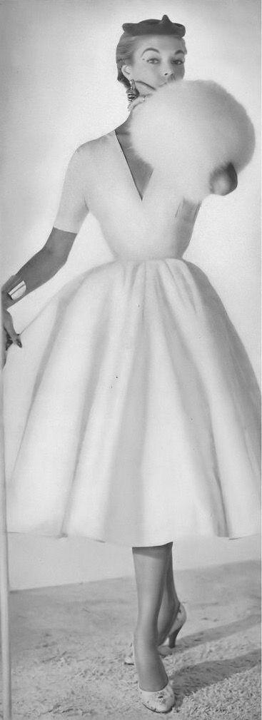 1953. Jean Patchett, photo by Horst, Vogue, October 15, 1953 | flickr skorver1 #womensfashionretrochic