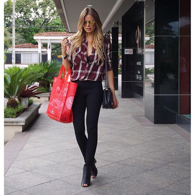 Vélez for leather lovers   Leonora Jimenez