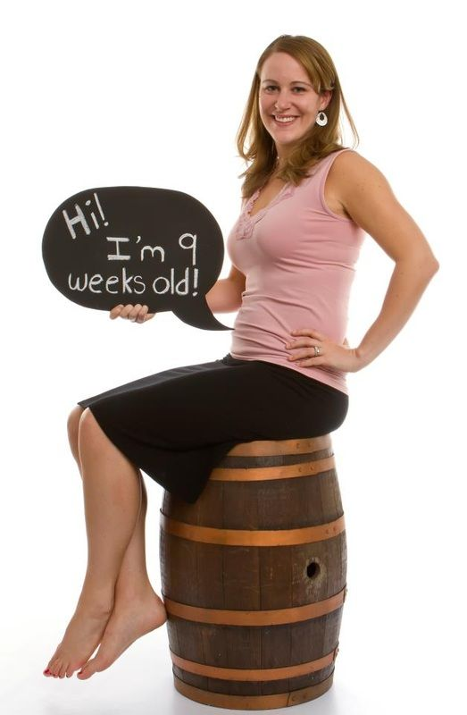 Maternity pregnancy announcement - this one's cute, but Daddy needs to hold the speech bubble