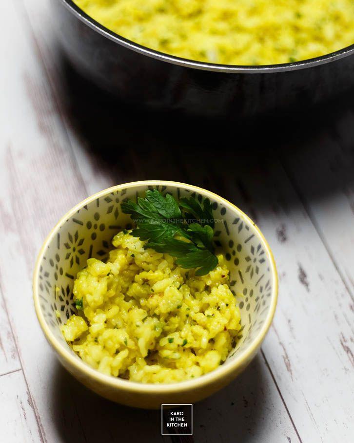Ryż cytrynowy – dodatek do obiadu. Ryż z cytryną, kurkumą i czosnkiem – do krewetek, ryb i jasnych mięs. Sposób na ryż do obiadu.