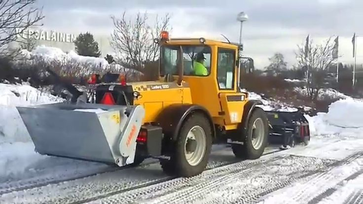 Lundberg 5220 with  Pome U-plough and Fjärås spreader