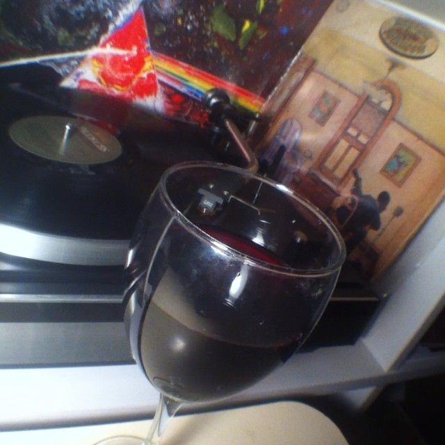 Un poco de la música del alma y disco favorito en la colección para pasar la nube negra. #robertjohnson #blues #vinyl #vinyljunkie