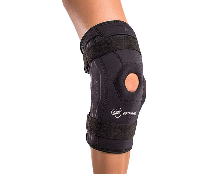 The DonJoy Performance Bionic Knee brace is ideal for athletes looking for knee support for MCL/LCL instability, general meniscus support or hyperextension protection.