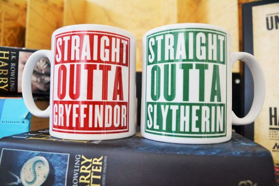 Harry Potter Mug / / Straight Outta Gryffondor / / Serpentard / / Poufsouffle / / Serdaigle / / maison de Poudlard / / cadeau Harry Potter