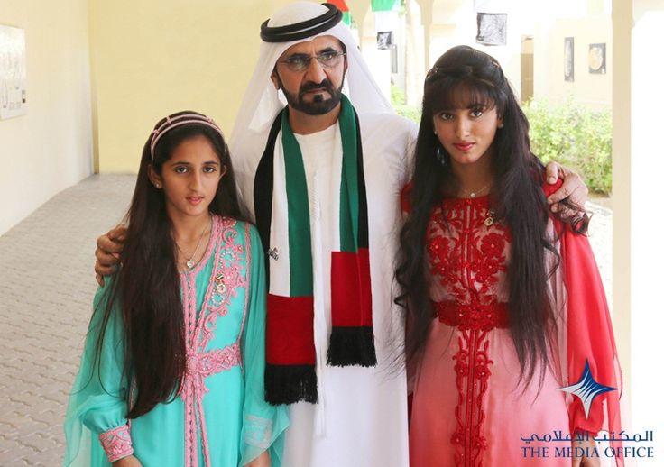 Her Highness Sheikha Shamma bint Mohammed bin Rashid Al Maktoum and Her Highness Sheikha Salamah bint Mohammed bin Rashid Al Maktoum, with their father Sheikh Mohammed.