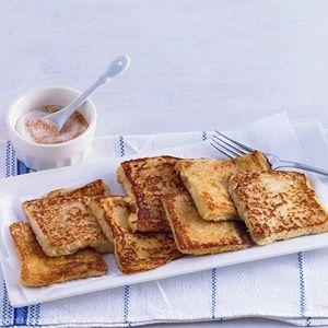 Recept - Wentelteefjes - Allerhande. Leg het brood van te voren op een broodplank en laat het wat uitdrogen. Bij melkallergie: Vervang in het gerecht de melk door 2 1/2 dl water. Gebruik als boter Blue Band (vloeibaar) Iedere dag.