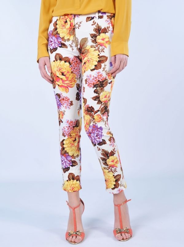 ATOS LOMBARDINI  Pantaloni capri fantasia floreale multicolor  http://www.dipierrobrandstore.it/product/1867/Pantaloni-capri-fantasia-floreale-multicolor.html