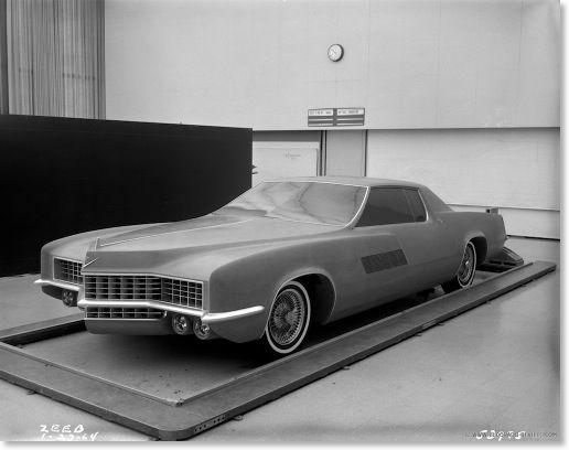 1964 Cadillac XP-825 Concept Car