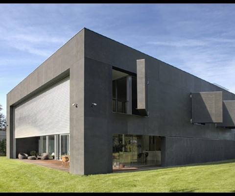 Kwk Promes - Safe House - with movable exterior wall components