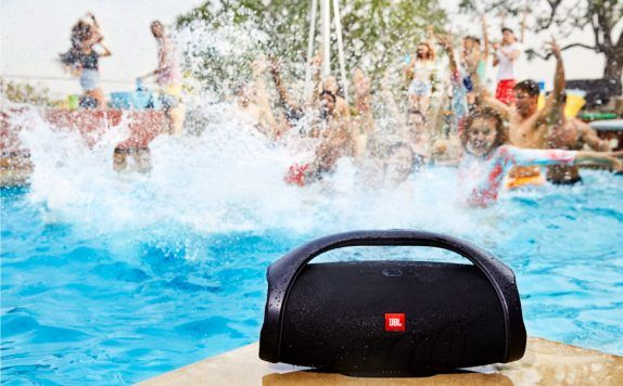 JBL Boombox waterproof portable Bluetooth speaker launched in India for Rs 34,990  https://www.techupdate3.com/2018/02/jbl-boombox-waterproof-portable-speaker-price-in-india.html