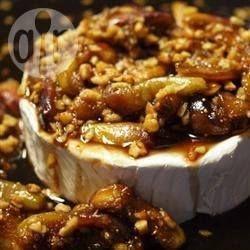 Brie met vijgen en amandelen uit de oven