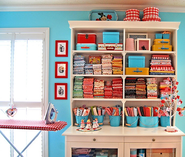I love, love, love turquoise & red together!!