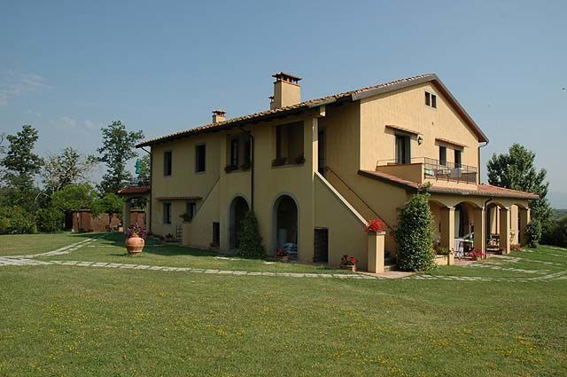 La Torribina - A charming farmhouse recently restored and turned into 9 comfortable apartments where to make your reservation. Montecatini Terme is also very close to this property that is quietly located and offers beautiful views over olive groves, vineyards and over the hills surrounding the small town of Cerreto Guidi. The interiors are simply furnished in a rustic Tuscan style. #holiday #property #Italy