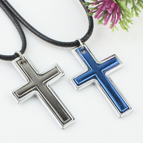 Élégant collier couple de croix