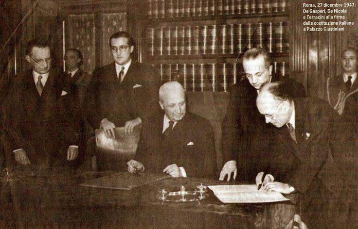 La firma della #Costituzione 27dic47 #RiformaSenato testo a fronte tra #Costituzione, ddl Governo e testo approvato da 1a Comm  http://www.senato.it/japp/bgt/showdoc/17/DOSSIER/786230/index.html