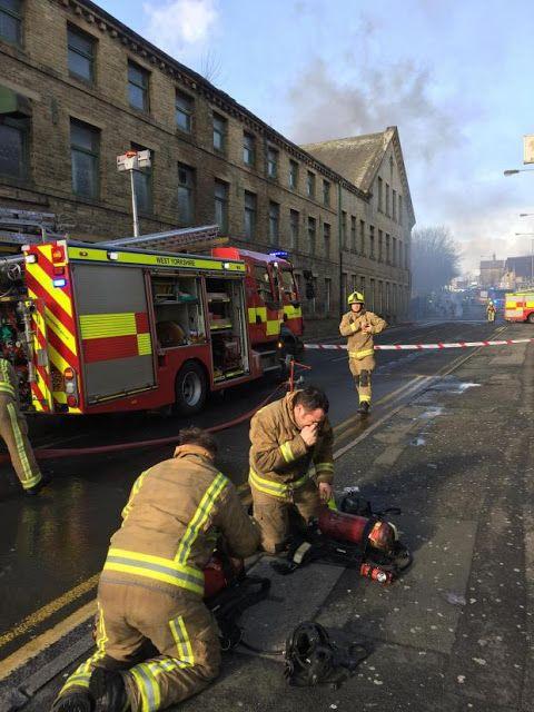 This Is Bradford - Local News Blog: BREAKING SIX VIDEOS: Major fire at Lumb Lane Mills, Manningham