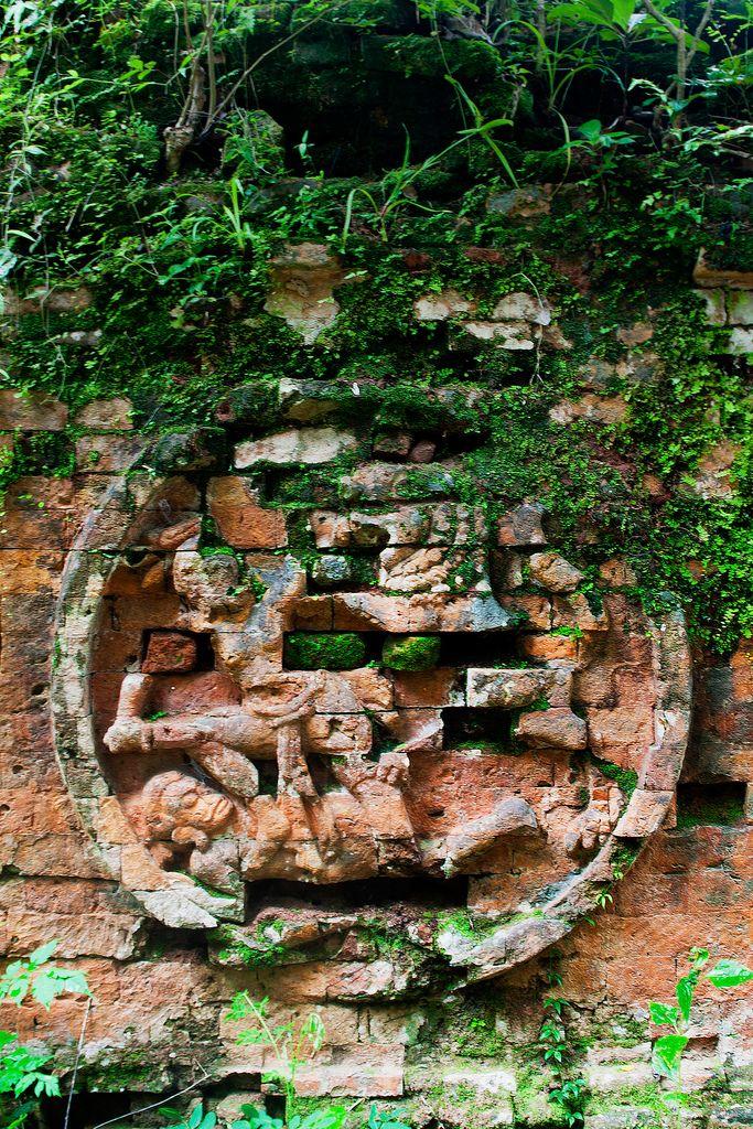 Sambor Prei Kuk (par Chea Phal). En savoir plus: http://voyager-au-cambodge.com/sites-a-visiter/kompong-thom