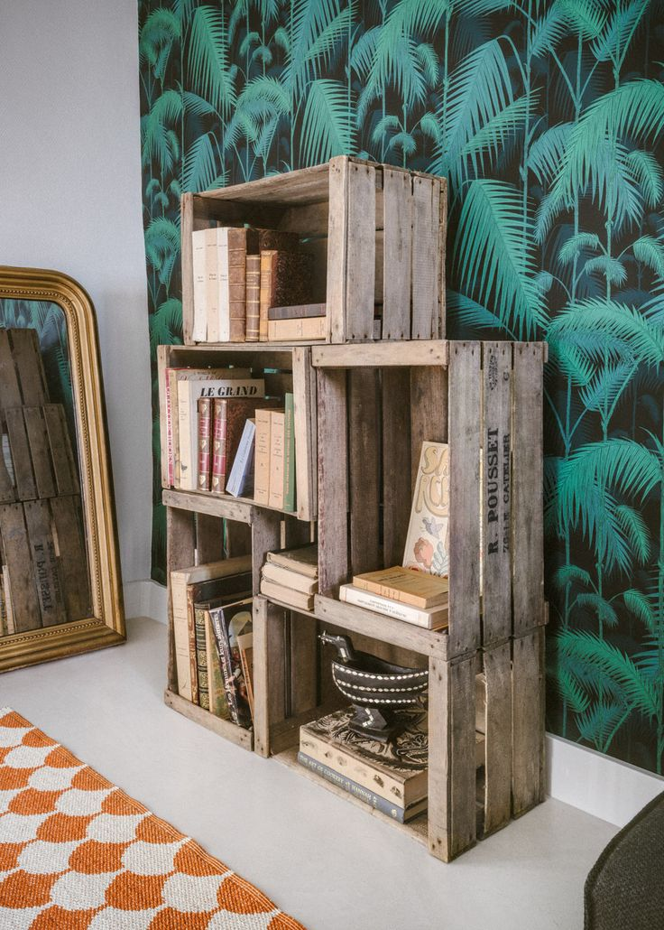 Home - rangement caisses à pommes - wooden crate - wallpaper Palm Jungle - Cole…
