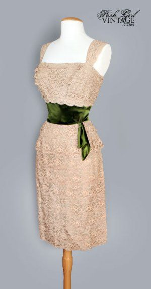 1950's Tan Lace W/ Green velvet Waistband Dress: Tan Lace Dresses, Bridesmaids, Dress Absolutely, Bridesmaid Dresses, Wedding Dresses, Vintage Dresses, Dresses Vintage, 1950S Tan