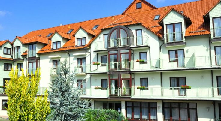 Zur guten Quelle Brotterode This family-run hotel is set in the village of Brotterode, surrounded by scenic Thuringian countryside. Zur guten Quelle offers a skittles alley and a spa with hot tub, fitness room and massages.