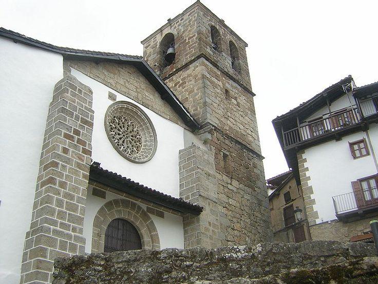 La Iglesia de Nuestra Señora de la Asunción es el edificio más notable de Candelario. Destacan en su interior el artesonado mudéjar y sus retablos barrocos y churriguerescos, o el retablo de los mártires del S. XVI de influencia italiana.