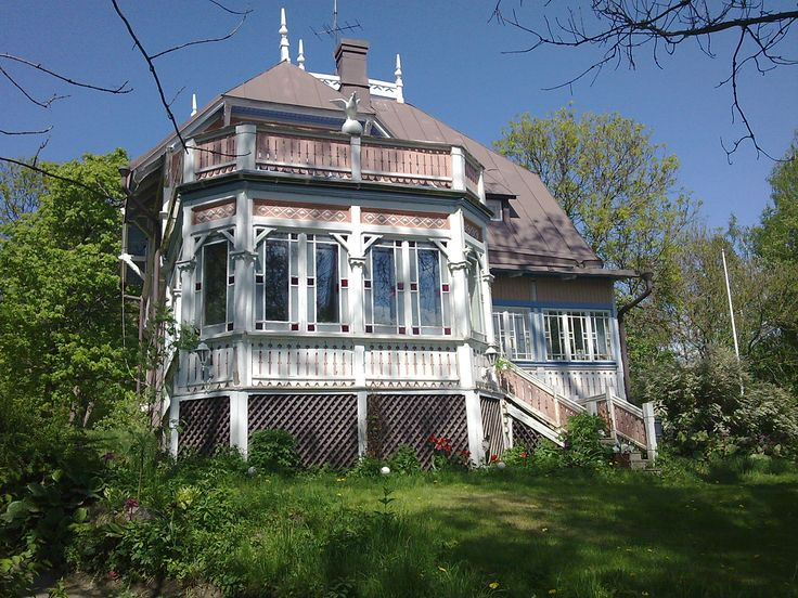 Beautiful, old, wooden villa in Ruissalo, Finland.