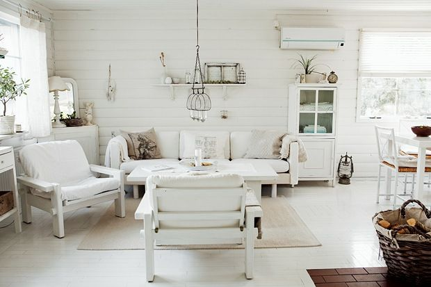 : Country Cottages, Living Rooms, Beaches House, Summer House, Shabby Chic, White Rooms, French Country Style, French Cottages, White Interiors