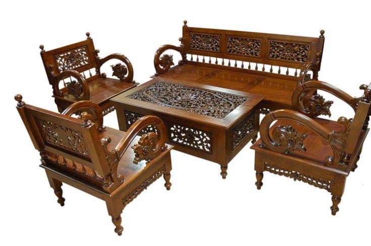 Set Kursi Tamu Ariembi Ukir R-12AU terbuat kari material kayu jati memiliki tampilan full ukir Jepara yang indah bagi ruang tamu anda.