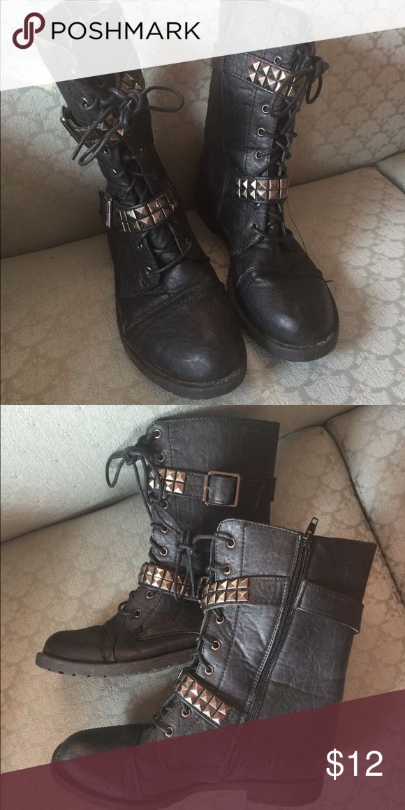 Combat boots Only worn a couple times Tilly's Shoes Combat & Moto Boots