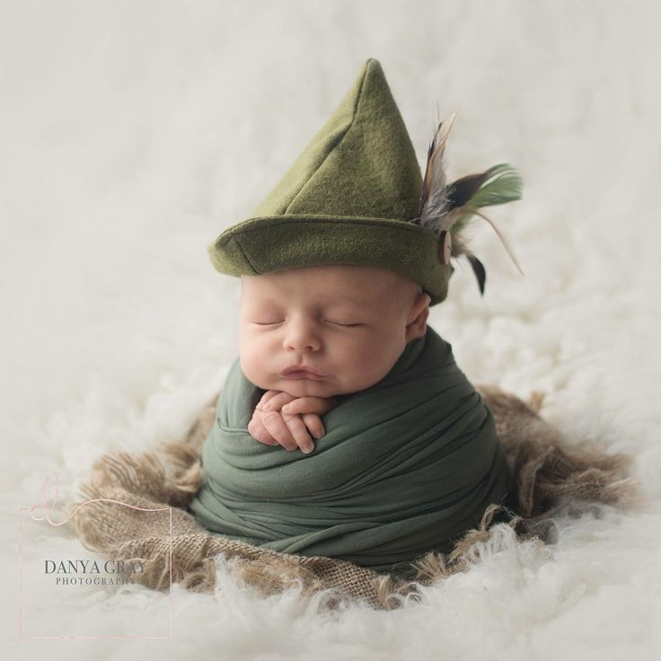 Newborn posing and props