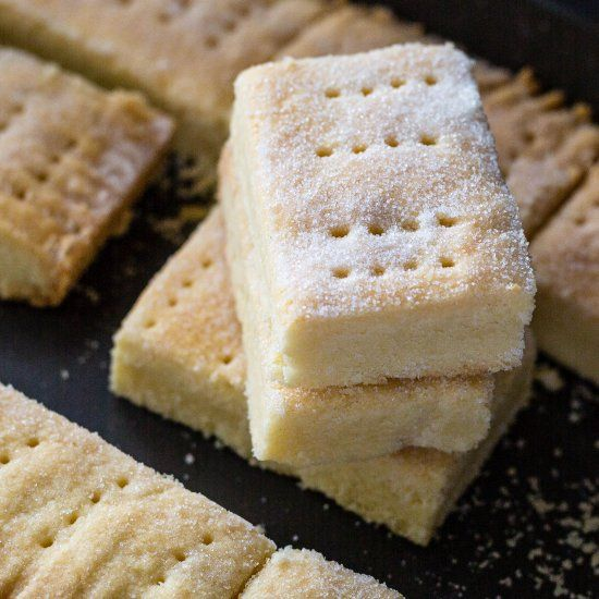 Simple, homemade, melt-in-your mouth shortbread - the perfect plate for New Year's Eve celebrations. Happy Hogmanay!