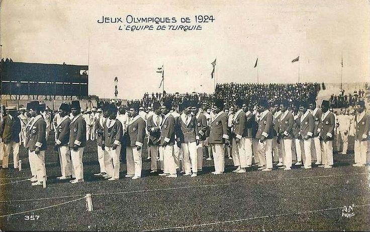1924 Yaz Olimpiyatları'na katılan Türkiye kafilesi Kaynak: https://tr.m.wikipedia.org/…/Olimpiyat_madalyas%C4%B1_kazan…# …