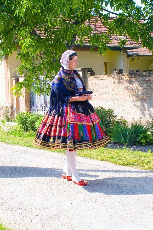 Sárközi Népviselet - Dunántúl