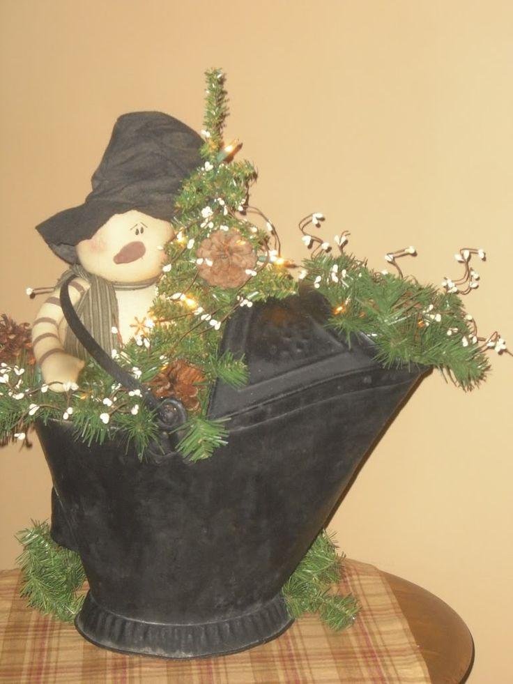 Coal bucket decoration: Christmas Crafts, Ideas Por, Coal Buckets Decor, Buckets Snowmen, Country Christmas, Tins Buckets, Christmas Decor, Great Ideas, Snowman Collector
