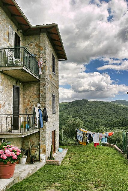 Tuscany I dream one day to stay at a cottage or house like this near Florence. ..I dream...