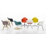"""DAR - Sedia in plastica  Le Plastic Armchairs sono state presentate per la prima volta per il concorso """"Low Cost Furniture Design"""" al New York Museum of Modern Art. Il loro sedile a guscio dalla forma organica in plastica è stato successivamente combinato con basi diverse e prodotto in milioni di esemplari."""