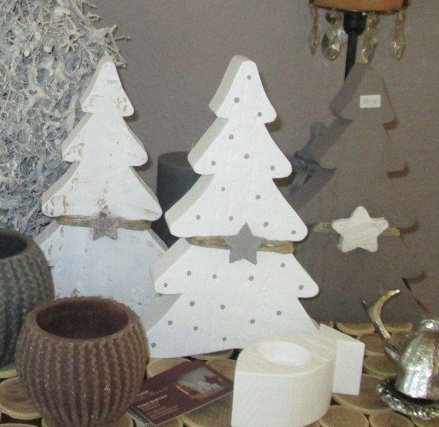 die besten 25 holz tannenbaum ideen auf pinterest tannenbaum aus holz holz weihnachtsbaum. Black Bedroom Furniture Sets. Home Design Ideas