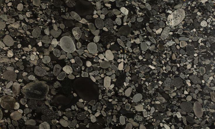 Granito negro Marinace.  Contactanos a ventas@canterasdelmundo.com  www.canterasdelmundo.com