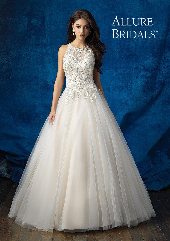 Abito da sposa Allure Bridals - Momenti Alta Moda Sposa #abitosposa #weddingdresses #momentisposi