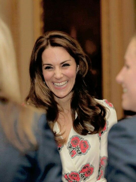 Catherine, Duchess of Cambridge smiles as she speak to the Team GB women's hockey team at the Buckingham Palace reception on October 18,2016.